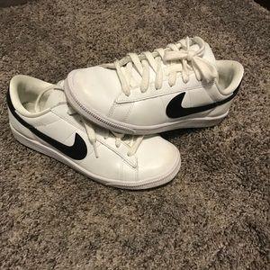 Nike Sneakers (old school)